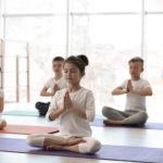 Les cinq éléments d'un cours de yoga pour enfants !