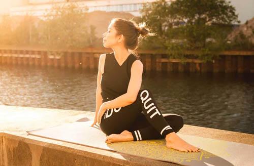 Approchez la sagesse avec le Yoga